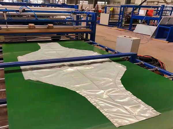 FIBC PE Film Auto Bottle Shape Liner Sealing Cutting Machine04